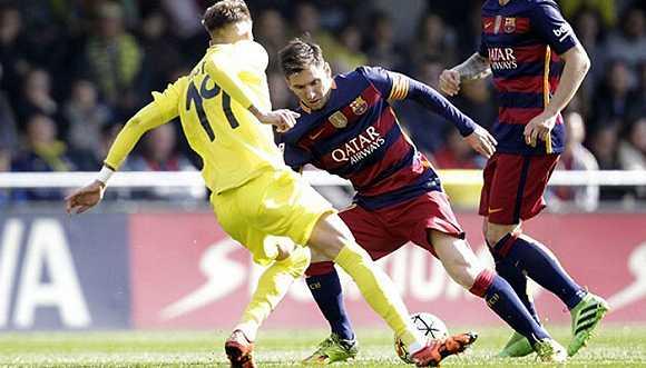 哈维:梅西踢球像我?胡说,他是史上最好的球员