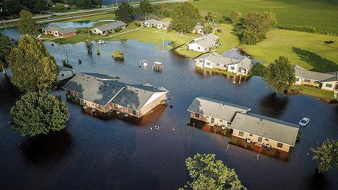 """【天下头条】飓风""""佛罗伦斯""""或造成500亿美元损失 印度临时取消印巴领导人会谈"""