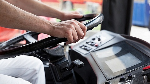 交通部新增城市公共汽电车应急处置:抢方向盘立即停车