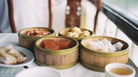 【特写?#24247;?#38386;饮茶不只在广东,他们让最拿手的早茶点心游过长江