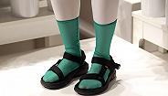 """【衣帽间】""""反时尚""""的凉鞋配袜子其实很潮"""