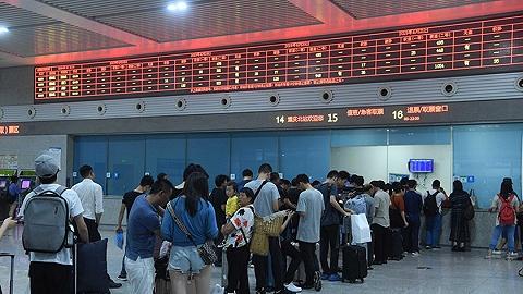 受四川宜宾地震及余震影响,今天成渝高铁等部分列车晚点或停运