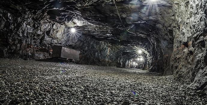 新疆一煤矿技术改造中突发透水事故,8人升井21人被困